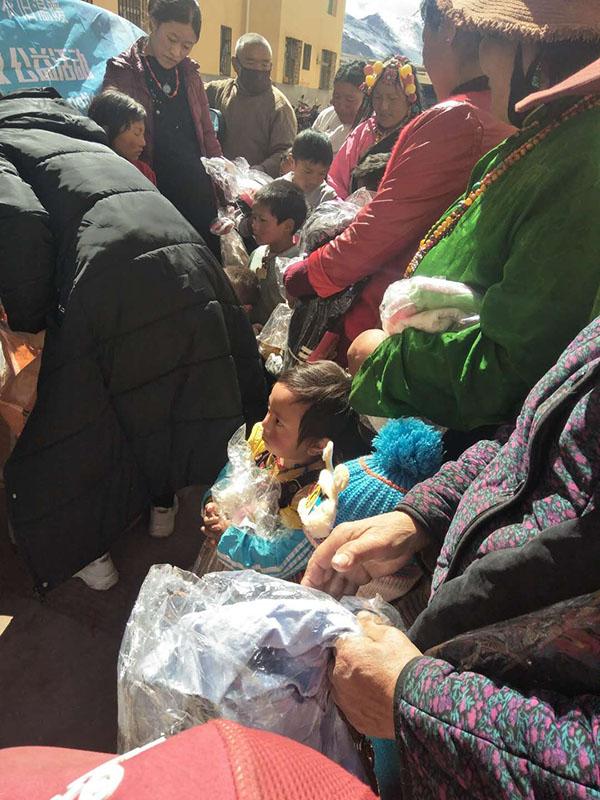 青海玉树藏族自治州旧衣服捐赠反馈1